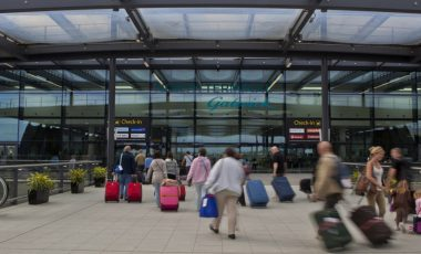 taxi services to and from Gatwick airport